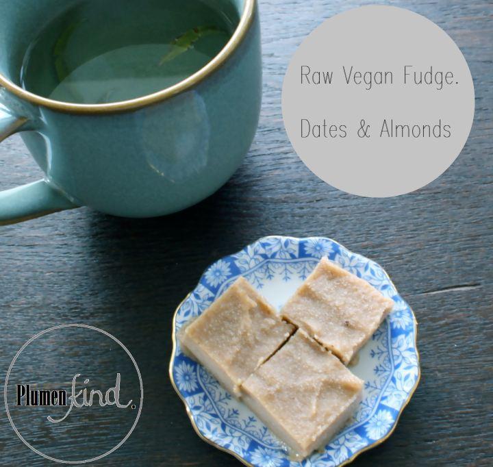 {Simplicity} Raw Vegan Fudge aus Datteln undMandeln